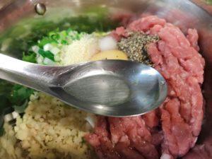 加入適量的調味料。可以視個人口味增減。