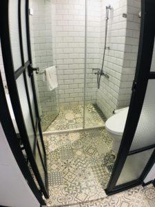 浴室的獨特磚片