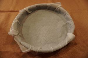 烤盤鋪上烘焙紙
